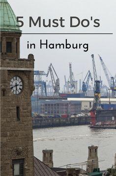 """""""Wer einmal hier war, kommt wieder"""", sagen die Stimmen zur Hansestadt Hamburg. Ganz klar, Hamburg ist eine Stadt der Superlative. Hier findest Du 5 Must Do's für Deine Reise in die Hafenstadt! Big Ben, Germany, Building, Travel, Hamburg, Germany Travel, Missing Someone, Regensburg, Travel Tips"""