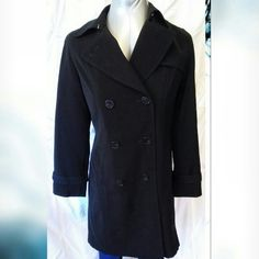Gallery Petite trench coat jacket/removable lining Gallery Petite trench coat jacket w/removable lining  Black Petite small  Like new! Excellent condition no flaws  Measurements laying flat Length 35 in. Chest 19 in. Sleeve 17 in.  Material content: shell/lining 100% polyester  liner body 100% acrylic sleeve 80% polyester 20% cotton Gallery Petite Jackets & Coats Trench Coats
