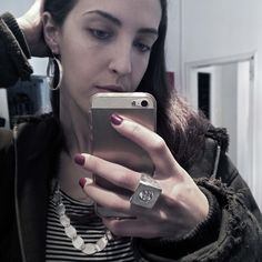 Contemporary silver look of the day. Infinito earring + Movimento ring + modular silver necklace. © Alberta Vita