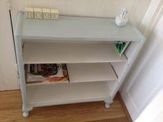 Sweet little bookcase ah bless