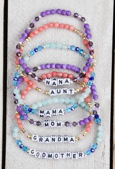 Word Bracelets, Name Bracelet, Diy Bracelets Patterns, Handmade Bracelets, Ring Crafts, Bracelet Crafts, Wire Jewelry, Beaded Jewelry, Beaded Earrings