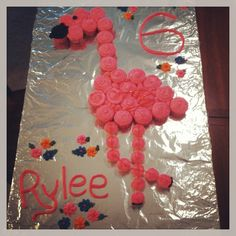 "Flamingo ""cake"" made with cupcakes!"