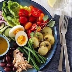 INDISK KYLLINGSUPPE MED EPLE, INGEFÆR OG CHILI | TRINES MATBLOGG Nicoise Salad, Cobb Salad, Potato Salad, Potatoes, Meat, Chicken, Nice, Ethnic Recipes, Chili