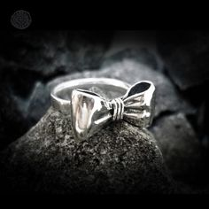 I would love a bow ring. :)