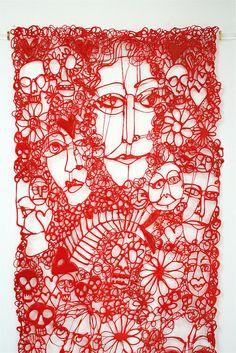 "Clare Knox-Bentham's creations, hand ""drawn"" using plastic extrusion techniques. Knit Art, Crochet Art, Textile Fiber Art, Textile Artists, Stylo 3d, Thread Art, 3d Prints, Arte Floral, Fabric Manipulation"