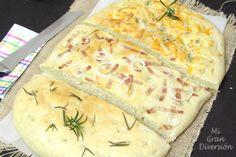 Mi Gran Diversión: Trio de Foccacia: Romero- Bacon y cebolla-Tres Quesos Thermomix Pan, Stromboli, Queso, Camembert Cheese, Nom Nom, Bacon, Dairy, Food And Drink, Bread