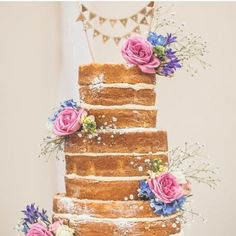 Começando a sexta feira com este bolo encantador . Quem amou marque as amigas que amam celebrar com bolos maravilhosos!!!!. . #bolo#nakekcake#bolos#partyideas#festejar #festejarcomamor#aniversário#casamento by blogmotherofthebride_cristina