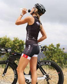 Думаете на весну #купить классная #велосипеднаяфляга ? У нас в #velovek большой выбор от #elite и #tacx Сделать очень просто, зайти на наш сайт: http://www.velovek.com/productcat/aksessuary/flyagi-i-flyagoderzhateli/bicycle-bottle/