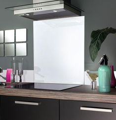 This Snowflake Splashback is ideal for any kitchen and provides a lovely clean finish to the cooker area. With our simple to use 'Peel, Stick & Seal' process, applying your new Splashback couldn't be easier. Glass Kitchen, Kitchen Tiles, Kitchen Colors, Tiles Uk, Wall Tiles, Coloured Glass Splashbacks, Topps Tiles, Tile Design, Colored Glass
