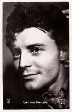 Gérard Philipe. French postcard by A.N., Paris, no. 1261. Photo: Raymond Voinquel.