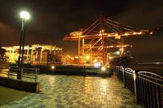 「ガントリークレーン 夜景」の画像検索結果