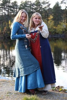 I går var vi i brylluppet til Heidi og Erlend Art Viking, Viking Woman, Viking Age, Viking Clothing, Historical Clothing, Vikings Halloween, Larp, Maxi Skirt Winter, Viking Reenactment