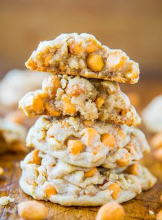 Soft & Chewy Honey Roasted Peanuts & Butterscotch Chip Cookies - Easy, super soft, & the perfect salty-and-sweet cookie!