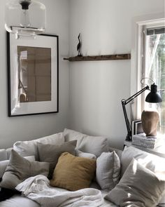 my scandinavian home: Annika Sahléns Cosy, Calm and Creative Swedish Home Another IKEA Soderhamn couch! Big Living Rooms, Living Room Modern, Home And Living, Living Room Decor, Style At Home, Ikea Soderhamn, Swedish House, Scandinavian Home, Minimalist Living