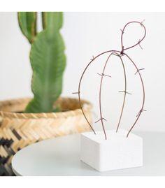 Cactus decorativo de alambre marrón AZUCENA. Disponible en www.rdiseno.es/shop