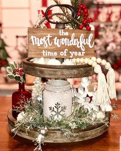 60 Rustic Christmas Decorations whose Natural & Rugged Beauty will make your Hea. 60 Rustic Christmas Decorations whose Natural & Rugged Beauty will make your Heart Skip a Beat - Ethinify. Farmhouse Christmas Decor, Country Christmas, All Things Christmas, Winter Christmas, Christmas Home, Christmas Crafts, Christmas Ideas, Christmas Table Decorations, Holiday Decor