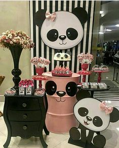 Panda Party, Panda Birthday Party, Bear Party, Birthday Table, Baby Birthday, Birthday Parties, Panda Decorations, Balloon Decorations, Birthday Party Decorations