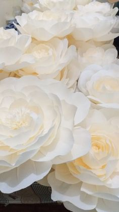 Flores de papel crepom italiano Rose, Flowers, Plants, Crepe Paper Flowers, Wedding Event Planner, Pink, Plant, Roses, Royal Icing Flowers