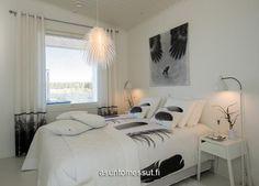 Bedroom details in black & white