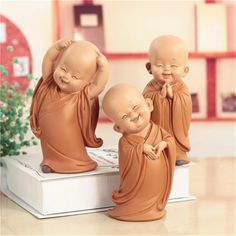 Little Monk Sculpture Resin Hand Carved Buddha Statue Home Car Decoration Accessories Gift Small Buddha Statue Creatives Shaolin Buddha Statue Home, Art Buddha, Small Buddha Statue, Buddha Decor, Buddha Statues, Chinese Buddha, Simple Cartoon, Cartoon Coloring Pages, Cute Cartoon Wallpapers