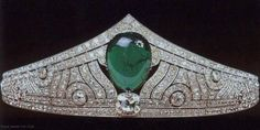 Luxembourg Royal Jewels - The Chaumet Emerald Tiara  Made by Chaumet. The piece was brought into the family when Grand Duchess Charlotte of Luxembourg married Prince Felix of Bourbon-Parma in 1919.
