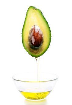 Avokádo je omylom často považované za zeleninu, najmä preto, lebo je často pridávané do šalátov a nátierok. Je toho ale omnoho viac, čo nám avokádo ponúka.
