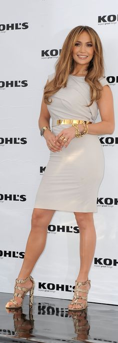 Share, rate and discuss pictures of Jennifer Lopez's feet on wikiFeet - the most comprehensive celebrity feet database to ever have existed. Jennifer Lopez Feet, Pictures Of Jennifer Lopez, Jennifer Lopez Dress, J Lo Fashion, Womens Fashion, Beautiful Celebrities, Gorgeous Women, Celebrity Dresses, Celebrity Style