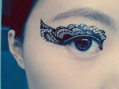 1 Pair of Temporary Tattoo Transfer Stickers for Eyes