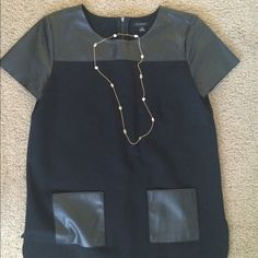 NWOT Ann Taylor tunic shirt/dress Super chic Ann Taylor tunic dress with leather pockets, great with skinny jeans or wear it alone with flats or booties Ann Taylor Dresses Mini
