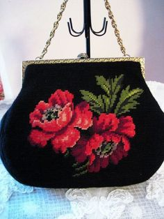 Vintage Handmade Needlepoint Purse Black with Red Roses Hand Embroidery Patterns Flowers, Embroidery Bags, Beaded Embroidery, Cross Stitch Embroidery, Vintage Purses, Vintage Bags, Vintage Handbags, Beaded Purses, Beaded Bags
