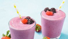 There's nothing better than cold fruit smoothies on hot summer days, right? It is perfect time to make a fantastic smoothie to keep cool. So, today we are sharing 22 delicious smoothie recipes which will tickle your taste buds and Smoothie Recipes For Kids, Protein Smoothie Recipes, Breakfast Smoothie Recipes, Healthy Breakfast Smoothies, Yummy Smoothies, Carrot Smoothie, Smoothie Ingredients, Protein Fruit, Orange Smoothie