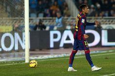 Neymar, tras la jugada en la que le quita el balón a Rulli pero que el árbitro invalidó