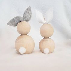 hoppy easter So cute! Easter Art, Hoppy Easter, Easter Crafts, Easter Bunny, Easter Eggs, Diy For Kids, Crafts For Kids, Images Wallpaper, Diy Ostern
