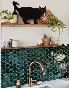 Beautiful kitchen backsplash tile alternatives design ideas 8 #kitchenbacksplash #tilekitchendesign #beautifulkitchen Kitchen Tiles Design, Tile Design, Interior Design Kitchen, Layout Design, Design Ideas, Kitchen Layout, Small Kitchen Tiles, Kitchen Modern, Design Styles