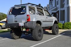 changing leaf springs on a xterra - Yahoo! Jacked Up Trucks, 4x4 Trucks, Off Road Adventure, Adventure Travel, Off Road Trailer, Nissan Xterra, Changing Leaves, Rescue Vehicles, Leaf Spring