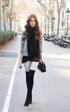 Perfect and very casual black leather jacket with boots. For