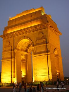 4 Must see places in Delhi, India Honeymoon Destinations, Holiday Destinations, India Gate, Beautiful Places In The World, Amazing Places, Amazing India, Barcelona Travel, Weekend Breaks, Winter Photos