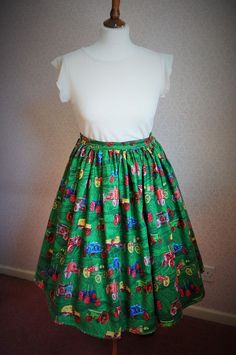 VINTAGE 80s 50'S Tractors, Vintage Cars, SWING SKIRT ROCKABILLY PIN UP, 32