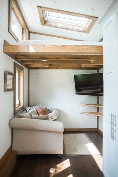 The Lookout XL Tiny Home on Wheels by Tiny House Chattanooga Tiny House Movement // Tiny Living // Tiny House on Wheels // Tiny House Bathroom // Tiny Home Tub // Tiny Home Tiny House Swoon, Best Tiny House, Tiny House Living, Tiny House On Wheels, Small Living, Small Room Bedroom, Small Rooms, Decor Home Living Room, Home Decor