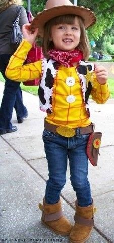 Woody costume - cute idea for the birthday boy or girl at a Toy Story party (halloween dguisement garcon) Jessie Toy Story, Toy Story Kostüm, Toy Story Party, Toy Story Costumes, Baby Costumes, Jesse Toy Story Costume, Woman Costumes, Mermaid Costumes, Pirate Costumes