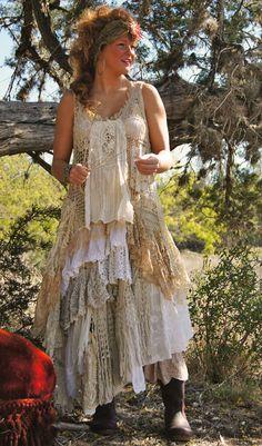 i want want want this dress. lace dress by Magnolia Pearl Gypsy Style, Boho Gypsy, Bohemian Style, Boho Chic, Hippie Chic, Hippie Style, Magnolia Pearl, Mode Hippie, Mode Boho