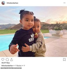 Khloe Kardashian shares a sweet photo of 'besties' True and Chicago watching the sunset Friends forever: Khloe Kardashian caught a photo of Kim's daughter Chicago hugging her 'bestie' as the sun set over her home in Calabasas, California Kris Jenner, Kendall Jenner, Jenner Kids, Kardashian Jenner, Jenner Family, Scott Disick, Tristan Thompson, Teen Choice Awards, Kanye West