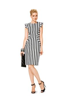 Women's dress pattern in three versions.This Pin was discovered by Ani Casual Dresses, Fashion Dresses, Summer Dresses, Straight Dress, Western Dresses, Striped Fabrics, Classy Outfits, Cotton Dresses, Dress Patterns
