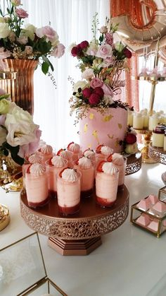 Delicious strawberry cream cups for this fabulous Birthday Dessert Table Pink Dessert Tables, Gold Dessert, Pink Desserts, Easy Birthday Desserts, Dessert Table Birthday, Birthday Cake, Birthday Recipes, Birthday Crafts, Birthday Ideas