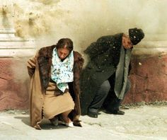The moment of the execution of Elena and Nicolae Ceausescu, december Romania. The execution also meant the end of comunism for romanian people. European History, World History, American History, Romanian People, Romanian Revolution, Warsaw Pact, Photo Report, Portraits, History Photos