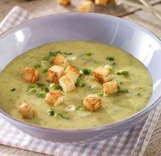 Zucchini-Frühlingszwiebel-Suppe                              -                                  Eine cremige und vegetarische Suppe für den Brunch zu Ostern