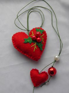 Christmas giftMistletoe felt heart holiday ornament door Marywool