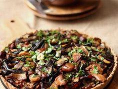 Tarte aux champignons, carottes et noisettes • Hellocoton.fr