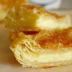 Слоеный пирог с сливочным сыром