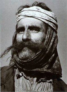 Malesore 1955 Albanian People, Albanian Culture, Retro Photography, Central And Eastern Europe, Headgear, Islamic Art, Art And Architecture, Traditional Outfits, Vintage Men